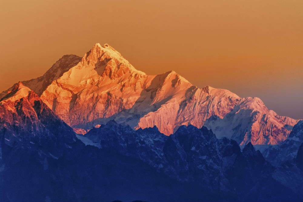 the longest mountain range in the world is